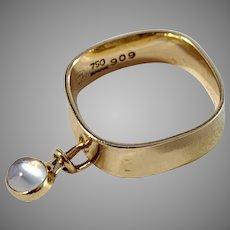 Vivianna Torun Bülow-Hübe for Georg Jensen 1960s Super Rare 18k Gold Moonstone Kinetic Ring. Design 909