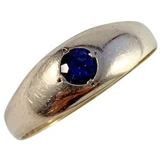 Vintage or Antique 18k Gold Cobalt Blue Sapphire Men's Ring.