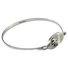 Kultasepat Salovaara, Finland Vintage Sterling Silver Swallow Open Close Bangle Bracelet.