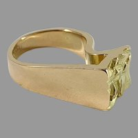 Rey Urban, Sweden year 1972 Chunky Modernist 18k Gold Ring.
