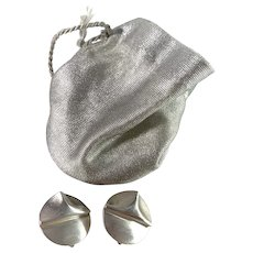 Bjorn Weckstrom for Lapponia, Finland year 1983. Sterling Silver Clip-on Earrings. Design: Southern Triangle.