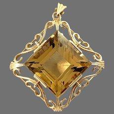 Stigbert for Heribert Engelbert, Stockholm 1947. Mid Century 18k Gold Citrine Pendant.