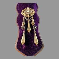 L Larsson, Gothenburg 1860s. Victorian Etruscan Revival 18k Gold Earrings and Brooch. Boxed.