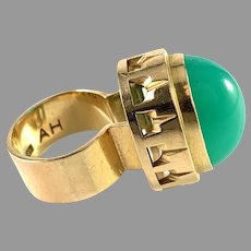 Anders Högberg, Gothenburg 1966. Massive 18k Gold Chrysoprase Ring.