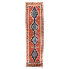 Extremely Fine Antique Persian Serapi Rug Circa 1890, SIZE: 3'6'' x 13'6''