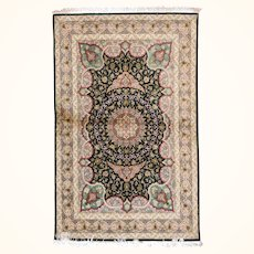 """Fine Persian Qum Rug Silk On Silk Hand Knotted, Size 3'1"""" x 4'8"""""""