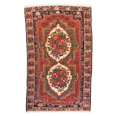 Semi Antique Rust Bakhtiari Persian Area Rug Wool Circa 1920, SIZE: 5'5'' x 8'7''