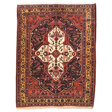 Fine Antique Bakhtiari Persian Rug, Hand Knotted, Circa 1910, Size 5' x 6'4""