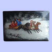 Attractive  Ear;y 20th Century Russian Hand Painted Snuff Box