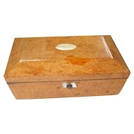 A Delightful Late Regency/Early Victorian Maple Jewellery/Keepsake Box