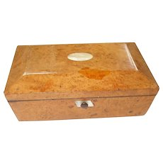 A Delightful Late Regency/Early Victorian Maple Jewellery/Keepsake Box