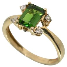 14k Gold Emerald & Diamond Ring~ Size 6