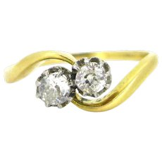 Edwardian Toi et Moi crossover diamonds ring, 18kt gold and platinum, circa 1910