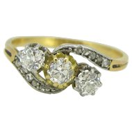 Art Nouveau 3 diamonds ring, 18kt gold and platinum ~ c.1900