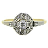 Art Deco Diamonds ring, 18kt gold and platinum