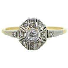 Art Deco Diamonds ring, 18kt gold and platinum