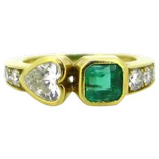 Heart Shape Diamond and Emerald Diamonds Ring, 18kt yellow gold, France