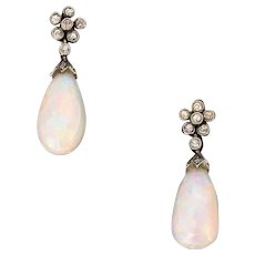 Antique Victorian Opals and diamonds earrings, 9kt gold