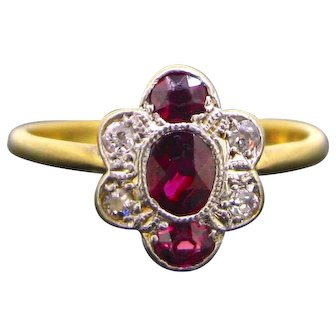 Antique Edwardian Rubies and Diamonds Cluster ring, 18kt gold and platinum, circa 1910