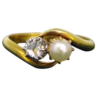 Antique Toi et Moi Natural Pearl and Diamond ring, circa 1915