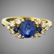 French Vintage Ceylon Sapphire and Diamonds Ring, 18kt Yellow Gold
