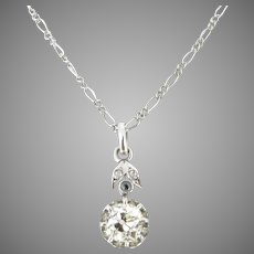 Art Deco Old mine cut Diamonds Pendant on Chain, 18kt gold and platinum, circa 1920