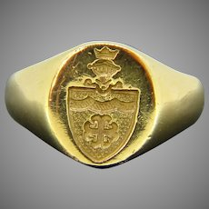 Vintage Coat of Arms Signet Ring, 18kt gold, circa 1960