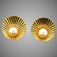 Vintage Cultured Pearl Clip Earrings, 18kt yellow gold, France, circa 1960