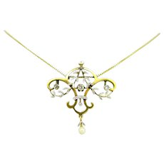 Art Nouveau Pearl and Diamonds Rose Cut Pendant Necklace, 18kt yellow Gold, circa 1900