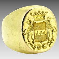 Vintage French Family Crest Signet ring, 18kt gold, circa 1940