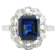Vintage Sapphire and Diamonds Cluster Ring, 18kt gold and platinum, circa 1940