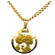 French Vintage Medal Pendant Les Amoureux de Peynet, 18kt gold