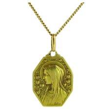 Lovely French Vintage Religious Medal, 18kt gold, circa 1925