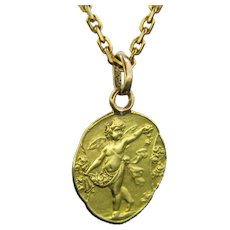 Antique Cherub Angel Medal Pendant Charm 18kt Yellow Gold, France