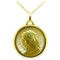 Art Nouveau Religious Gold Medal Pendant by E. Dropsy, France, 18kt gold, circa 1900