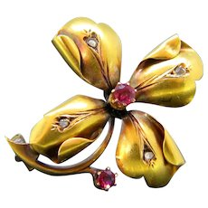 Antique Art Nouveau Ruby and Rose Cut Diamond Trefoil Brooch, 22kt Yellow Gold, circa 1900