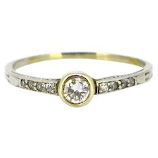 Solitaire Two Tones Gold Diamond Ring, 18kt yellow and white gold, circa 1930