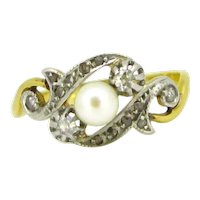 Antique Pearl and rose cut diamonds ring, 18kt gold and platinum, France, circa 1910