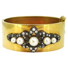 Antique Cultured Pearls and Diamonds Bangle, 18kt yellow gold and silver, circa 1905