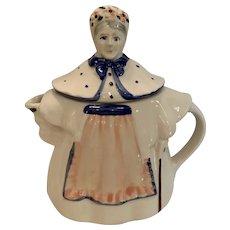 Perfect vintage Shawnee Granny Ann teapot