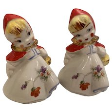 Vintage Hull red riding hood shakers