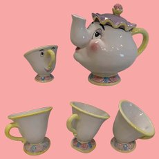 Charming Disney mrs Potts and Chip tea set