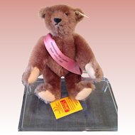 Limited edition, mint  UFDC Steiff bear