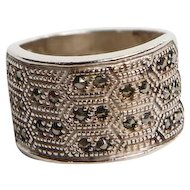 Sterling Silver with 26 Round Marcasite Stone Ring