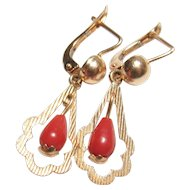 18K Yellow Gold Natural Red Coral Dangle Earrings 1.70 Cts 1940's Vintage