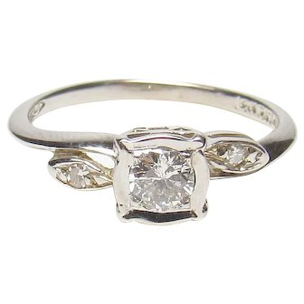 14K White Gold 0.20 Ct Brilliant Cut Diamond Ring 0.22 Cts TW 1940's Vintage