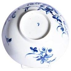 An eighteenth century Worcester porcelain bowl.