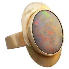 Vintage Retro 18K Yellow Gold Australian Solid Opal Ring