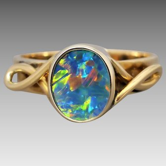 Vintage 9k Yellow Gold Colourful Australian Opal Doublet Ring