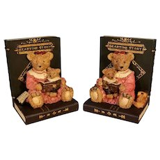 Resin Beartime Story Bookends Mother Bear Reading to Her Cub
